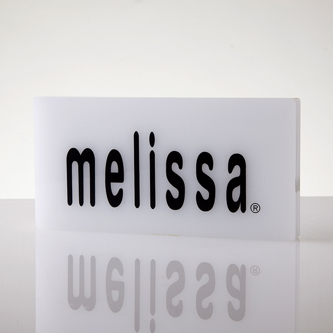 Targa da banco in plexiglass