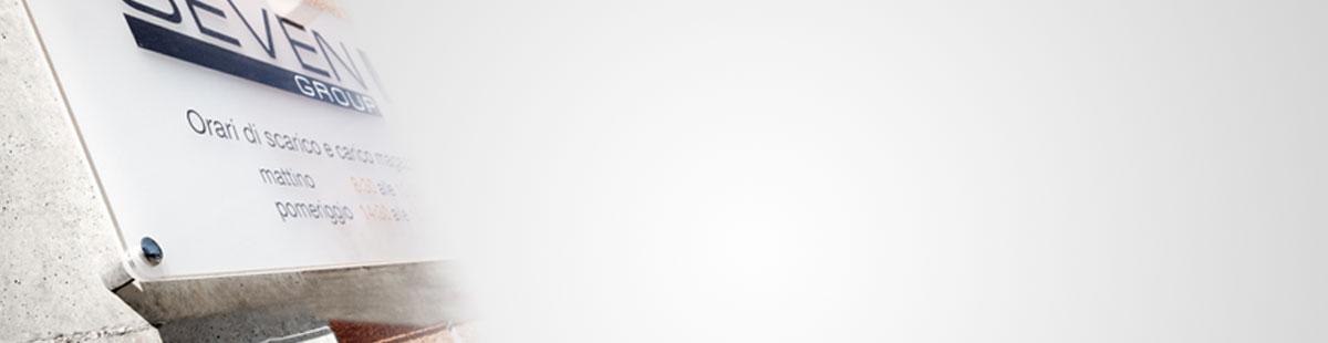 Espositori e targhe 1 progettazione produzione vendita - Targhe porta plexiglass ...